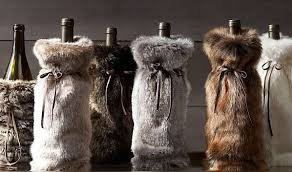 Как украсить подарочную бутылку