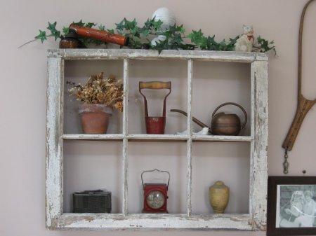 Шкаф из деревянных окон
